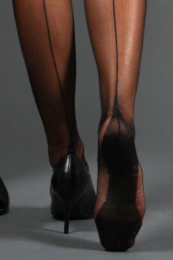Gio Fully Fashioned Stockings - Point Heel, Black